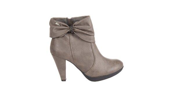 Dámske svetlo šedé kotníkové topánky Xti s mašľou