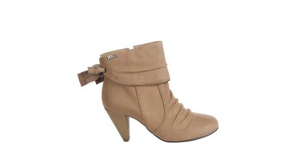 Dámske orieškovo hnedé kotníkové topánky Xti s ozdobným zipsom