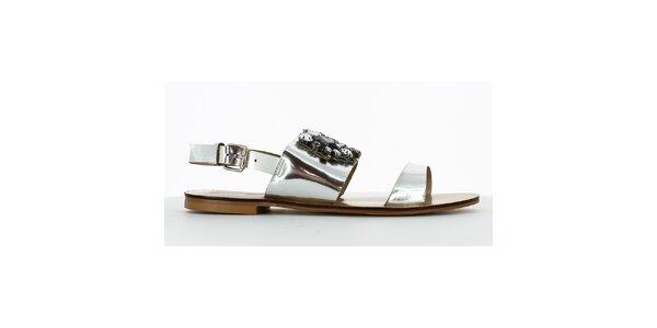 Dámske strieborné nízke sandálky s kamienkami Shoes and the City