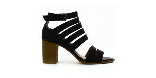 Dámske čierne sandále na opätku Shoes and the City