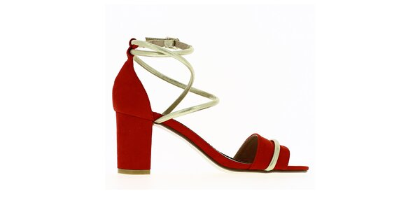 Dámske červené sandále s lesklým remienkom Shoes and the City