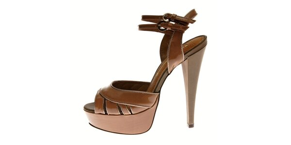 Dámske orieškovo hnedé lakované sandále Buffalo