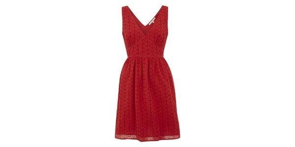 Dámske červené šaty s perforáciou Uttam Boutique