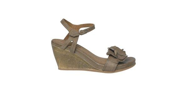 Dámske tmavo hnedé sandále na kline Buggy