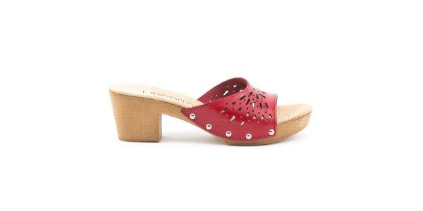 Dámske kožené sandále s červeným perforovaným remienkom Liberitae