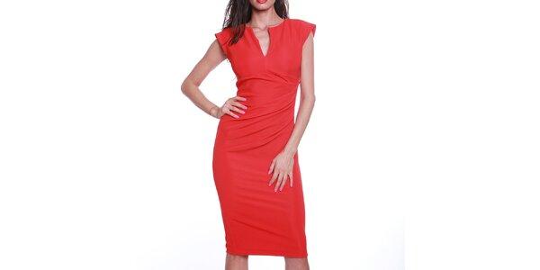 Dámske červené púzdrové šaty s výstrihom Melli London
