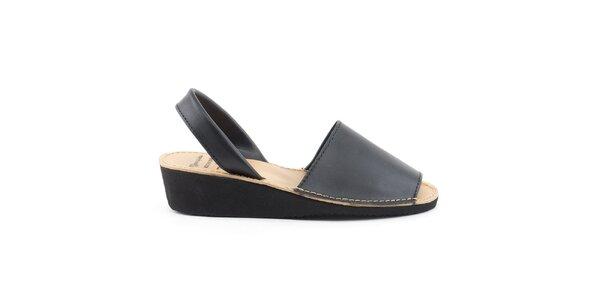 Dámske čierne kožené sandále na kline Daneris