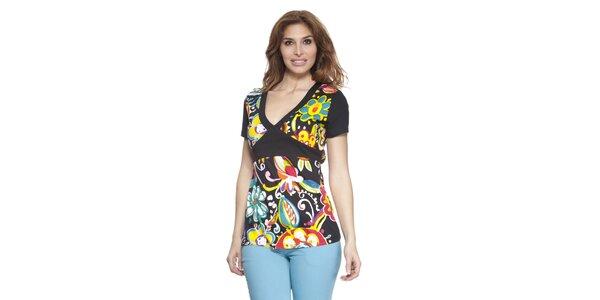 Dámske farebné tričko s véčkovým výstrihom Janis