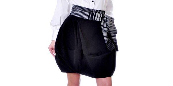 Dámska čierna sukňa Daka