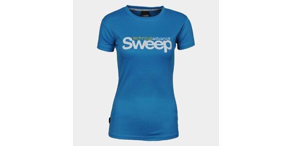 Dámske modré tričko s krátkym rukávom a značkou Sweep