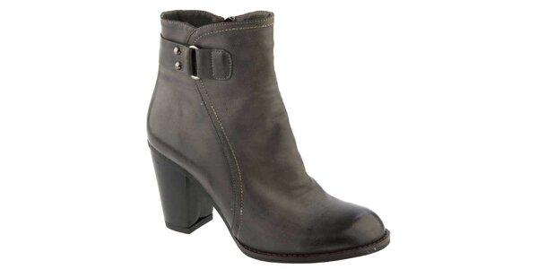 Dámske čierne členkové topánky na opätku Elisabeth