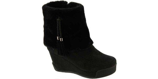 Dámske čierne topánky na kline so strapcami Betsy
