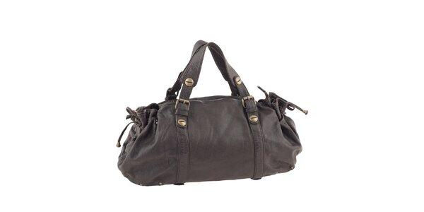 Dámska tmavo hnedá kožená podlhovastá kabelka Amylee