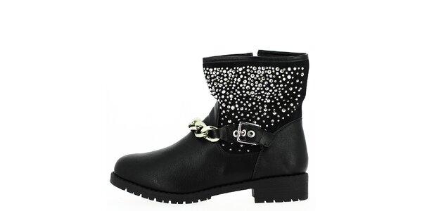 Dámske členkové čierne topánky so striebornými prvkami a retiazkou Shoes and…