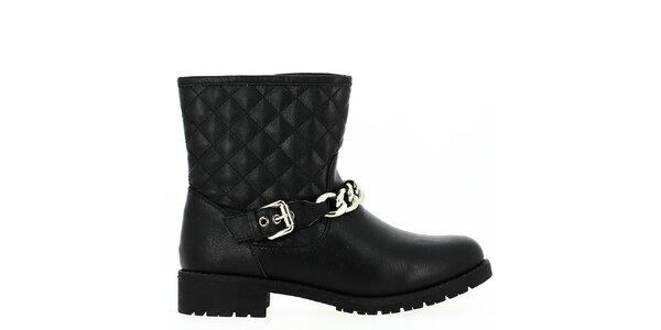 Dámske členkové čierne topánky s prešívaním a retiazkou Shoes and the City