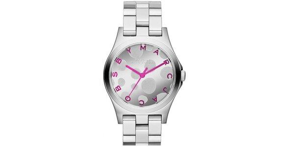 Dámske hodinky z nerezovej ocele s ružovými prvkami Marc Jacobs