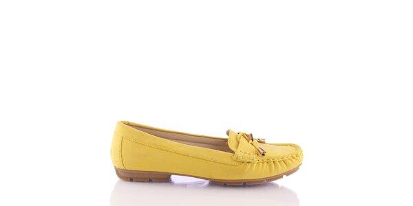 Dámske žlté mokasíny s ozdobným remienkom Kickside