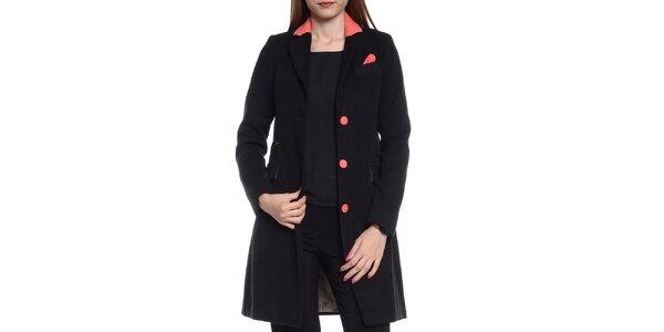 Dámsky čierny kabátik s korálovými detailmi Vera Ravenna