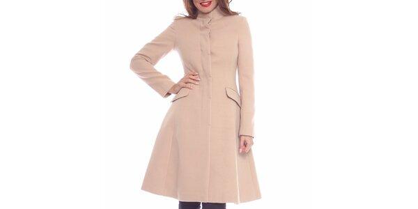 Dámsky púdrový priliehavý kabát Vera Ravenna
