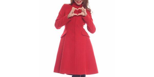 Dámsky červený priliehavý kabát Vera Ravenna