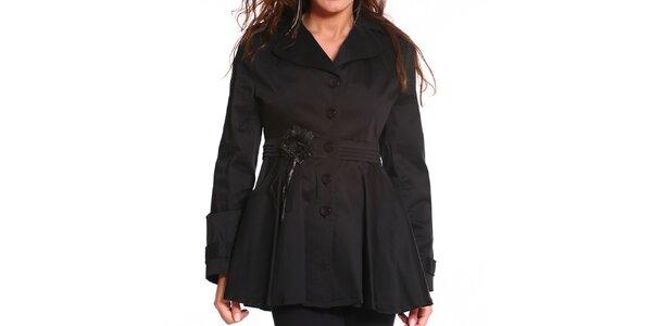 Dámsky čierny kabát s kvetinovou aplikáciou Vera Ravenna