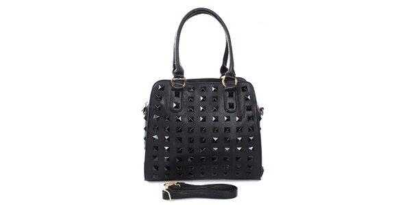 Dámska čierna kabelka s pyramídkami London Fashion