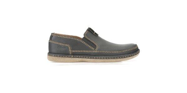 Pánske kožené nazúvacie topánky s prešívaním Clarks