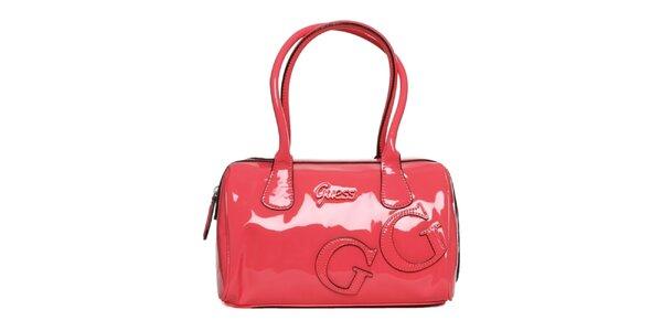 Dámska korálová lakovaná kabelka Guess