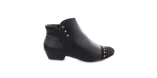 Dámske čierne členkové topánky s cvočkami na špičke Vizzano
