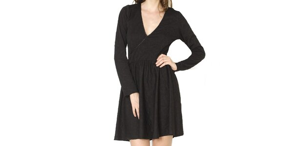 Dámske čierne šaty s jemným vzorom Santa Barbara