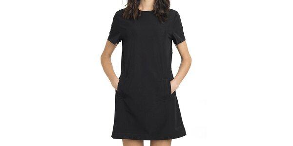 Dámske čierne šaty áčkového strihu Compania Fantastica