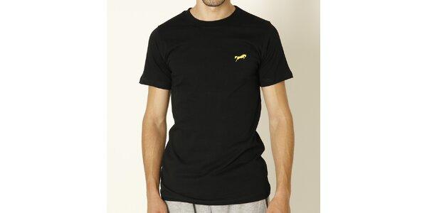 Pánske čierne tričko so žltým logom Chaser