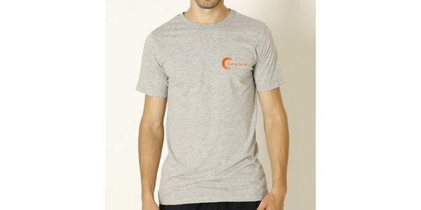 Pánske šedé tričko s oranžovým nápisom Chaser