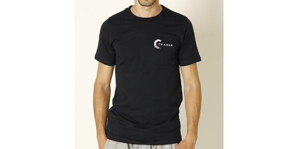 Pánske tmavo modré tričko s bielym nápisom Chaser