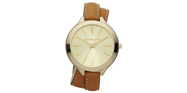 Dámske analógové hodinky s prekríženým hnedým remienkom Michael Kors