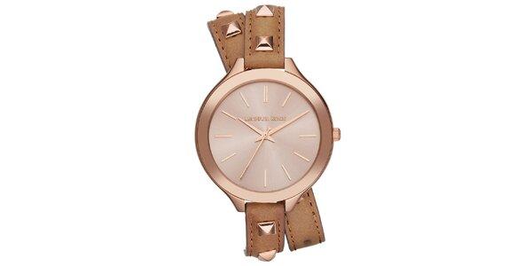 Dámske analógové hodinky s hnedým zdobeným remienkom Michael Kors