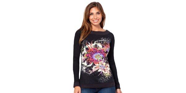 Dámske čierne tričko s kvetinou Janis