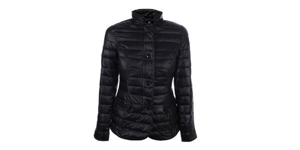 Dámska čierna prešívaná bunda so stojačikom DJ85°C