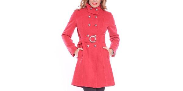 Dámsky červený kabát so sponou Vera Ravenna