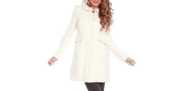 Dámsky smotanovo biely kabát s ozdobným gombíkom Vera Ravenna