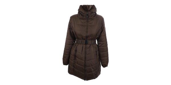 Dámsky hnedý prešívaný kabát s opaskom Joluvi