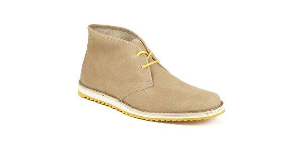 Pánske svetlé členkové topánky so žltou šnúrkou Clarks