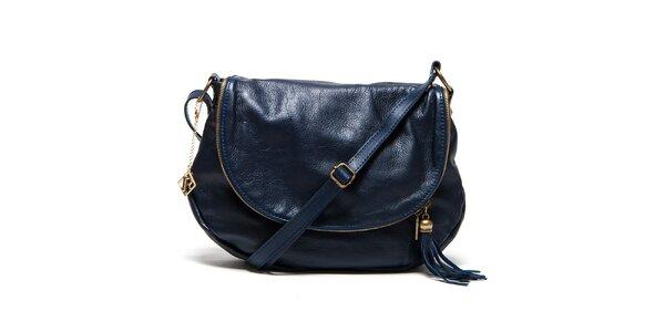 Dámska tmavo modrá kožená kabelka s príveskom a strapcom Isabella Rhea