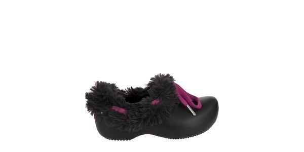 Dievčenské čierne papuče s plyšom Crocs