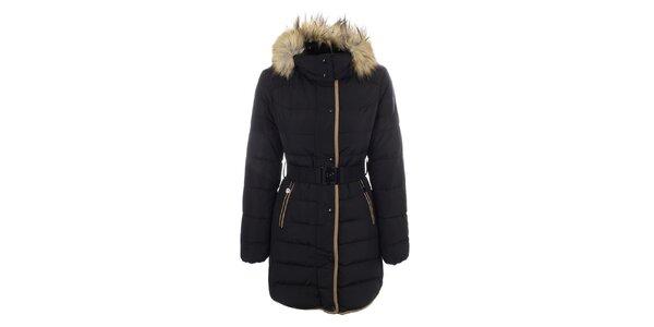 Dámsky čierny kabát s opaskom a kožúškom DJ85°C