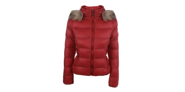 Dámska červená prešívaná bunda s kapucňou B.style