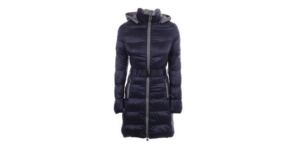 Dámsky prešívaný tmavo modrý kabát B.style