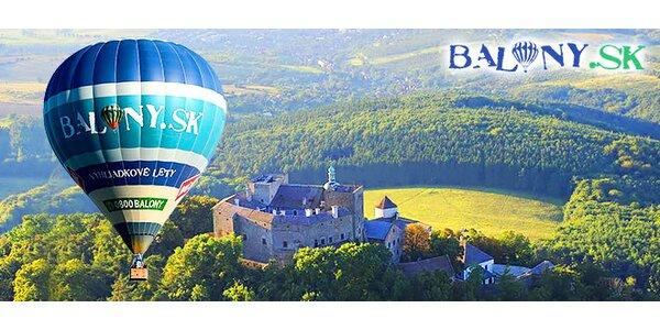 Let balónom ponad hrad Buchlov