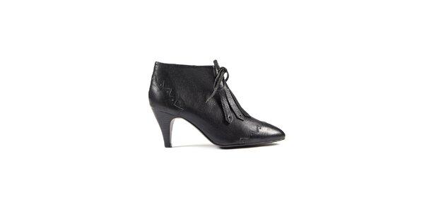 Dámske čierne kotníkové topánky Lise Lindvig