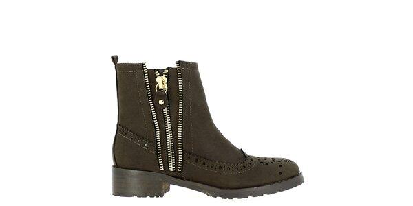 Dámske tmavo hnedé topánky s ozdobnou perforáciou Shoes and the City